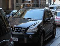 Květnové informace z pojišťoven - Česká pojišťovna - živelné škody - pojišťovna Kooperativa - zhodnocení životního pojištění za rok 2012 - ČSOB - krádeže kol - Allianz pojišťovna - sjednání autopojištění iAuto na míru přes internet - Na snímku : automobily v Praze