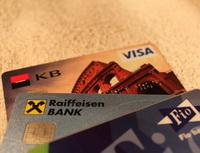 Bezkontaktní platební karty válcují Českou republiku. Nasnímku platební karty.