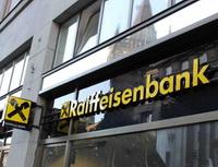 Raiffeisenbank odříjna zdraží stará konta. Nasnímku pobočka Raiffeisenbank.