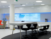 Banky v Česku připravují modernizaci poboček. Na snímku interiér pobočky.
