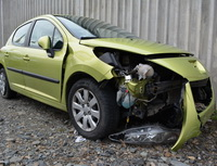 Jaké novinky připravila napodzim Generali vpovinném ručení? Nasnímku nabourané auto.