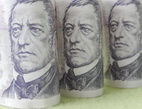Změny v sazebnících bank - poplatky, produkty
