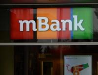 mBank nabízí refinancování v rámci mPůjčky Plus. Na snímku logo mBank.