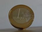 Už víte, čím letos o Vánocích obdarujete své blízké? Zkuste pamětní mince. Na snímku model Eura.