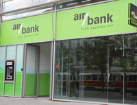 Na snímku pobočka Air bank