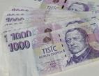 J&T Banka nabízí podřízený vklad s úrokem 5,1 %. Na snímku tisícikorunové bankovky.