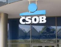 Stále více klientů využívá možnost refinancování půjček. Nasnímku pobočka ČSOB.