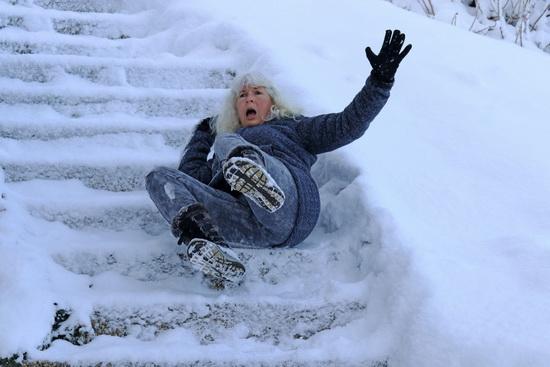Obrázek: Pád nasněhu