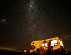 Obrázek: Karavan v noci
