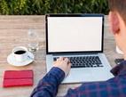 Obrázek: Notebook a káva
